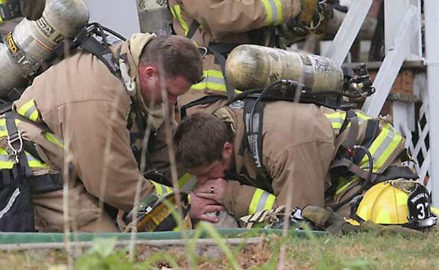 wisconsin firefighters save dog 02
